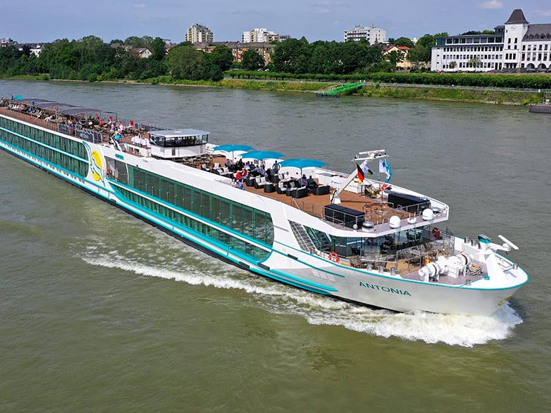 flusskreuzfahrtschiff ms antonia auf dem wsasser